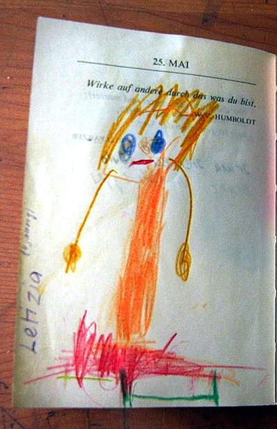 Letizia 4jährig im Vergissmeinnicht von Mami